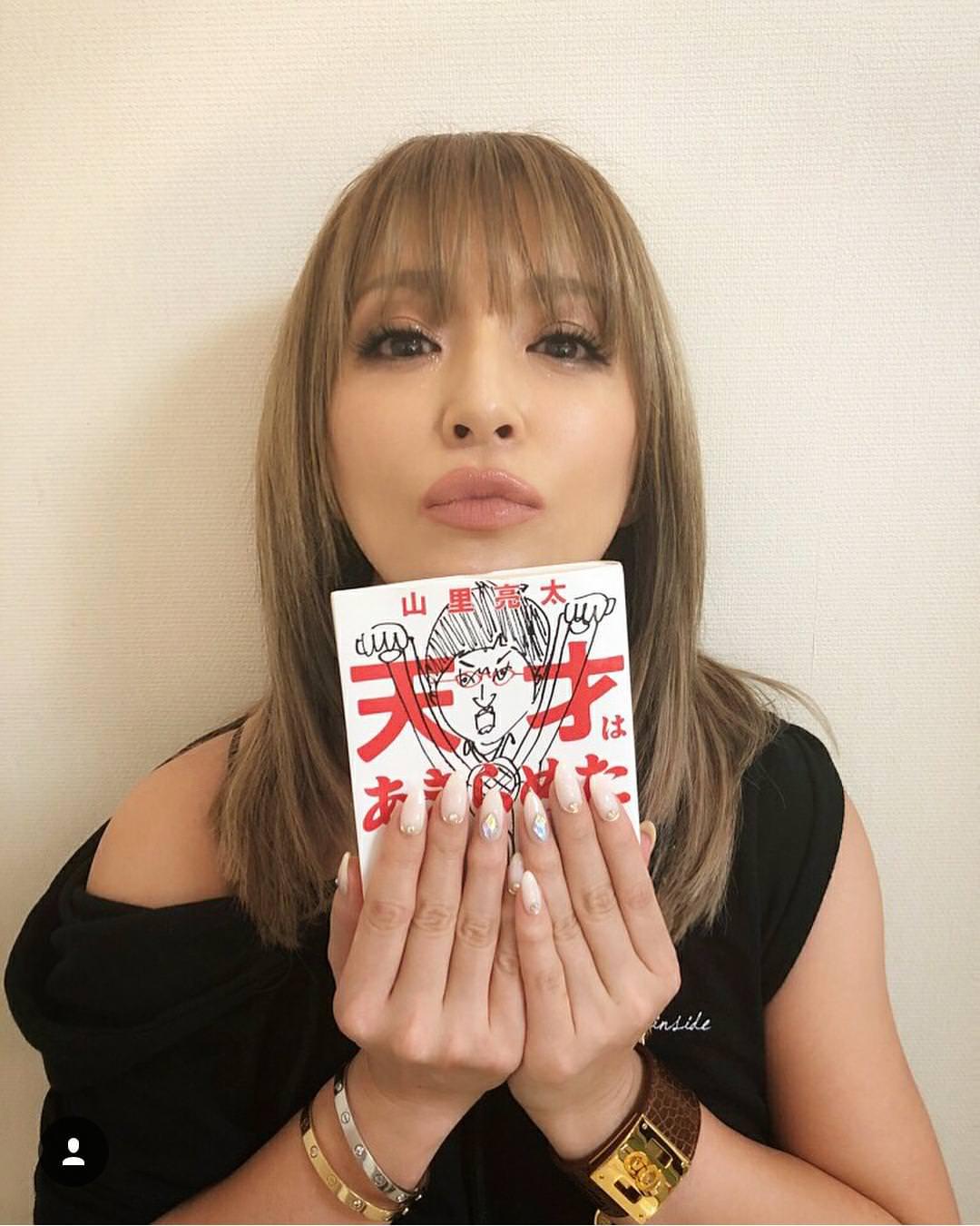 【画像】歌手の浜崎あゆみさん、39歳に見えない