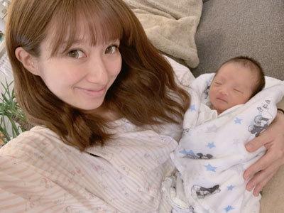 辻希美さん、赤ちゃんと一緒に外出したところ女性らから「非常識」「ありえない」と批判殺到