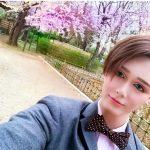 桑田の息子Matt 「パパー お花見の桜とボクどっちがキレイかなー?」パシャ
